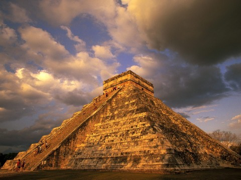 ancient_mayan_ruins_chichen_itza_mexico-normal